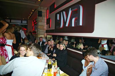 Be IN Berlin Themen November 2008 - YVA Suite Berlin Schlueterstr 52