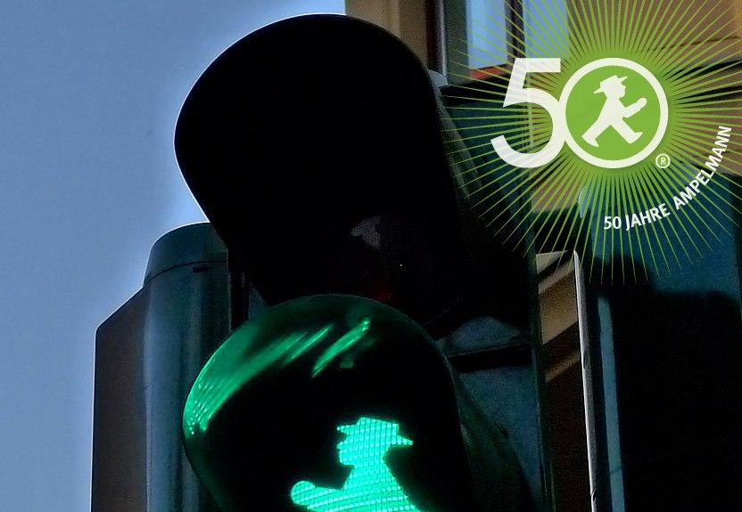 Jubiläums- und Geburtstags-Feiern in Berlin und Ampelmänner aus aller Welt zu Gast am Hackeschen Markt - 50 Jahre Ampelmännchen und das Ampelmann Unternehmen wird 15 Jahre - herzlichen Glückwunsch zum Geburtstag