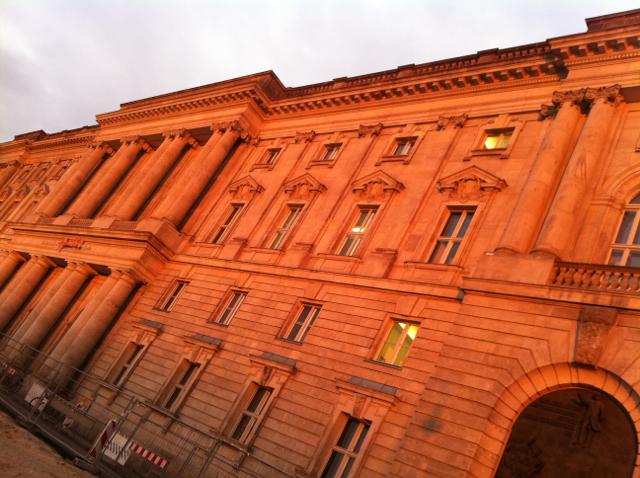 Neue_Marstall_Stadtschloss_königlicher_Pferdestall_1900_Hochschule_Musik_Hanns_Eisler