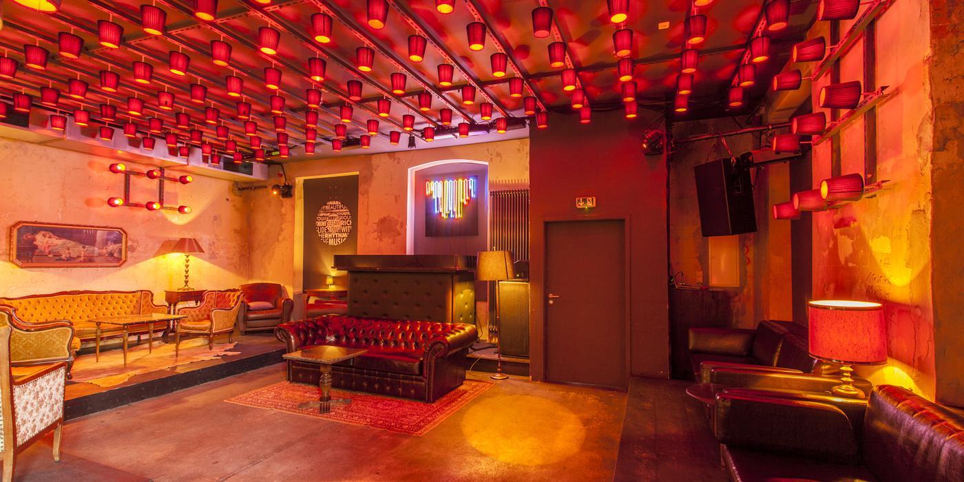 Wir laden Sie zu The Grand zur Bar & Party am Freitag 18.07.2014 in The Grand ein und bieten zusätzlich, nach vorheriger Anmedlung, ein exklusives spezial e-concierge Dinner für 30 Personen an