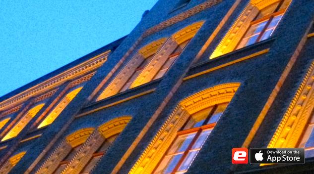 Altbau Abend Licht Beleuchtet Fassade Saniert Denkmalschutz