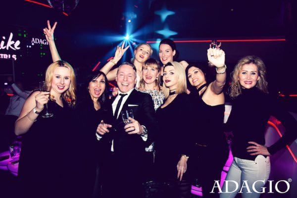 2017 1703 Ladylike ADAGIO Club Berlin Concierge Gerry Damen Ladies