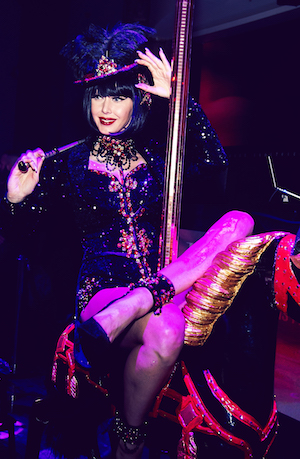 2017 ADAGIO VIP Ladies Table Service Bar Bourlesque Olivia Pferd