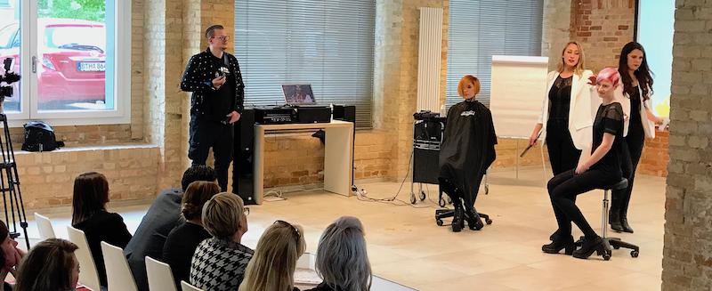 2017 2404 A-Heads Opening Model Stylisten Katharina See Sarah Wood Show Seminar