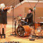 Olga Kholodnaya in einer Weltpremiere – Doppelkonzert für Violine und Schlagzeug in der Berliner Philharmonie von Johann Sebastian Bach