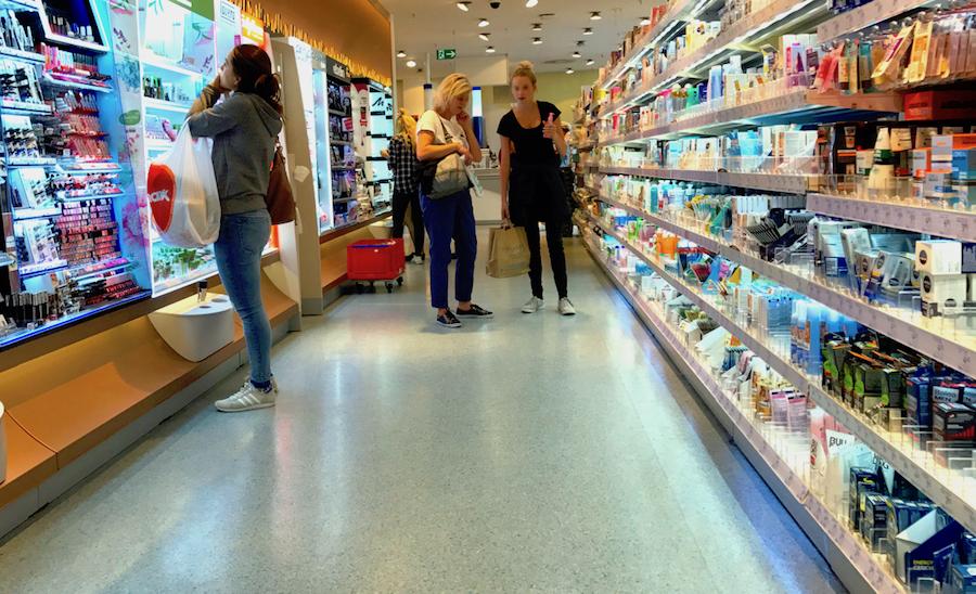 Drogerie Kosmetik Kunden Boden Reinigung Service Laden Markt Drogerie Bworx Dienstleistung