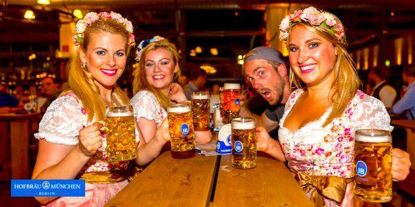 Die Zuckermadl 2017 Paket VIP Angebot o zapft anstich Oktoberfest Stars Prominent Hofbraeu Berlin Security Party Concierge Empfehlung Service pic Joerg Unkel