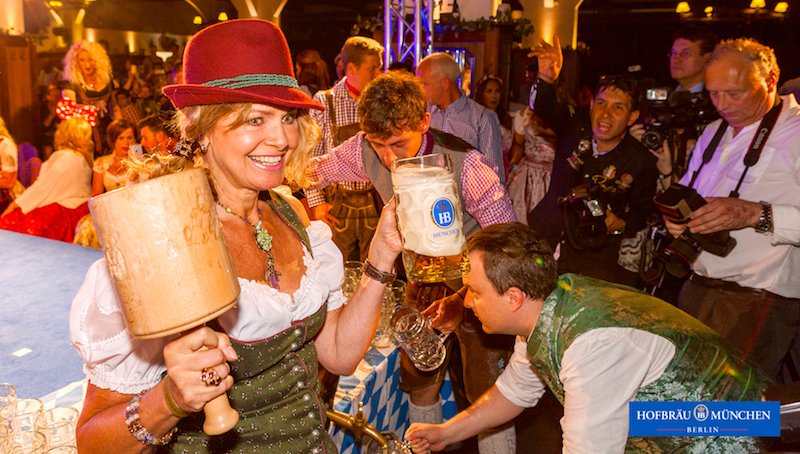 2017 o zapft anstich Oktoberfest Stars Prominent Hofbraeu Berlin Security Party Concierge Empfehlung Service pic Joerg Unkel