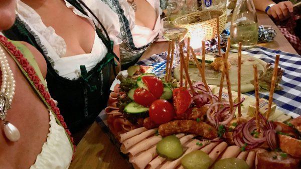 Anstich O zapft is Hofbraeu Berlin Ladies Table VIP