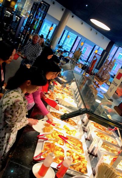 Gruppen Reservierung Zhou Five Lunch Buffet Ente Chop suey Asian Food