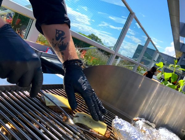 Grill BBQ Burger Sommerfest eConcierge Stilwerk Rooftop Bar Eventlocation Concierge Gerry