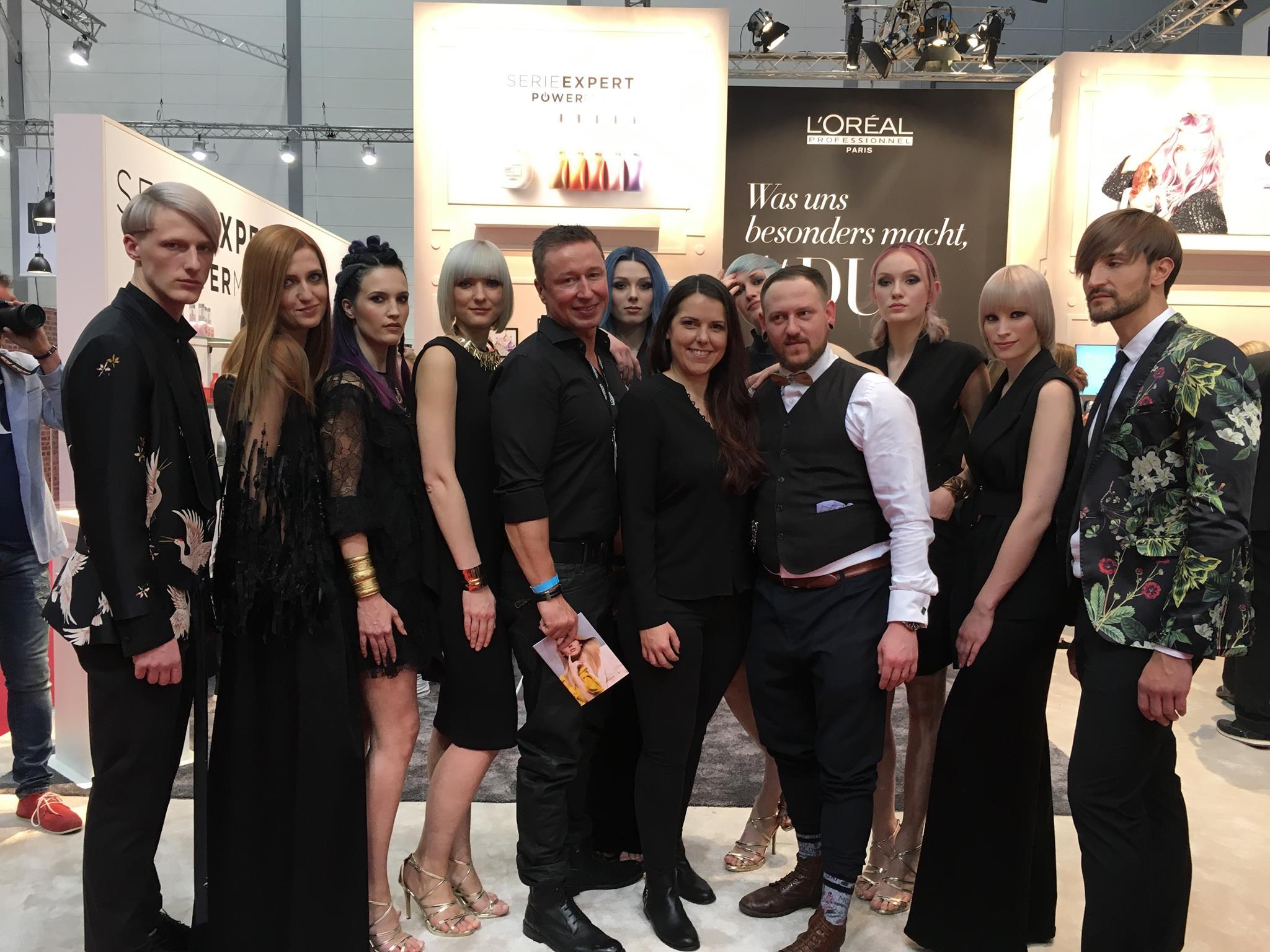 Friseur Ausbildung Stylist D Machts Group Akademy A heads Team Dennis Machts Hagen Krueger Katharina Seel Models