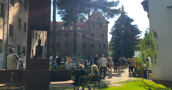 Hofgarten Hoffest PLACCES SOEHT 7 Ateliers ehemalig Frauengefängnis Lichterfelde Sommerfest Betreiber neu Event Location