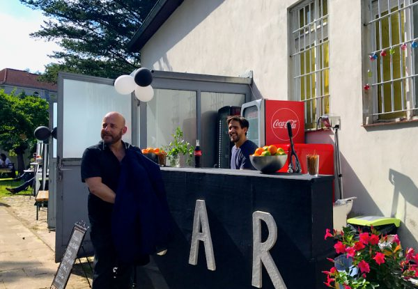 Bar Barkeeper PLACCES SOEHT 7 Ateliers ehemalig Frauengefängnis Lichterfelde Sommerfest Betreiber neu Event Location