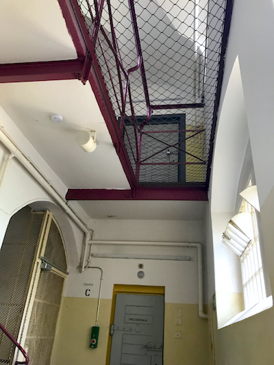 Aufgang Gang Etagen Knast PLACCES SOEHT 7 Ateliers ehemalig Frauengefängnis Lichterfelde Sommerfest Betreiber neu Event Location