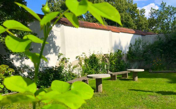 Rosen Garten Grün Hof Blumen PLACCES SOEHT 7 Ateliers ehemalig Frauengefängnis Lichterfelde Sommerfest Betreiber neu Event Location