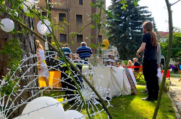 Snack Getränke Essen PLACCES SOEHT 7 Ateliers ehemalig Frauengefängnis Lichterfelde Sommerfest Betreiber neu Event Location
