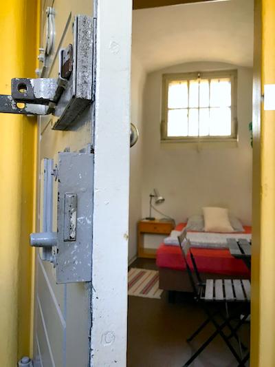 Room Zimmer EZ Einzelzimmer PLACCES SOEHT 7 Ateliers ehemalig Frauengefängnis Lichterfelde Sommerfest Betreiber neu Event Location