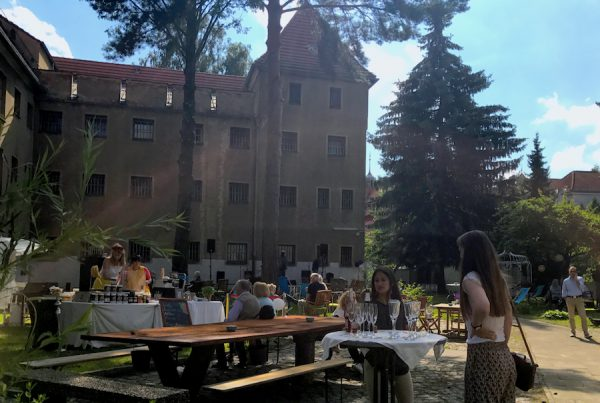 Fest Besucher Gäste PLACCES SOEHT 7 Ateliers ehemalig Frauengefängnis Lichterfelde Sommerfest Betreiber neu Event Location