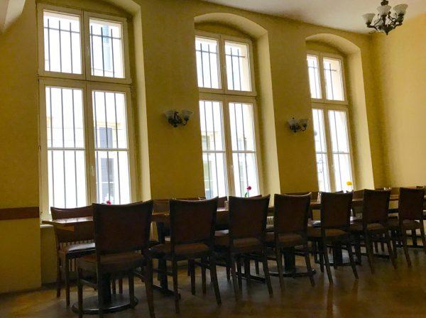 Saal Restaurant Besprechung Gewerbefläche saniert Heckmann Hoefe Oranienburger Strasse Synagoge Dr Joachim Koehrich Vermietung