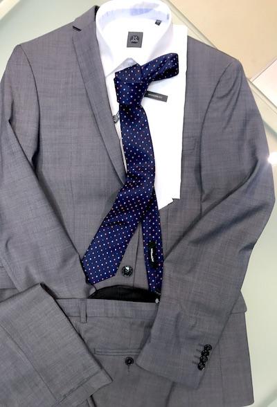 Business Anzug Grau Hemd Krawatte Stones Jersey Sakko Fynch Hatton Sons Seidensticker outlet Grosshandelspreise Showroom Draga Thamke Grosshandel Fashion