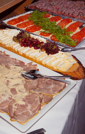 2017 Kinderbrunch Christian Hofbräu Berlin Photoconcierge Joerg Unkel Kikaninchen Wurst Buffet