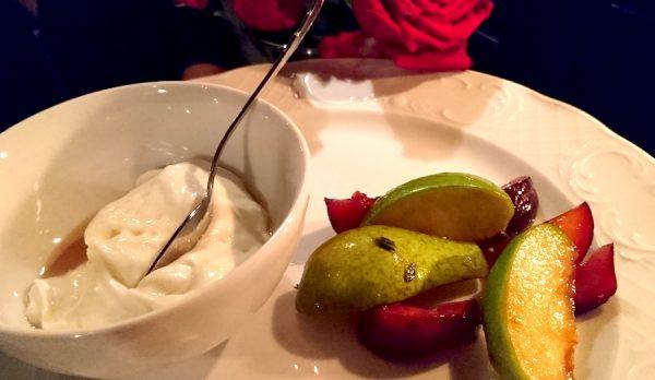 Osteria Maria Menue Speisen Restaurant Dessert Birne Apfel gebacken