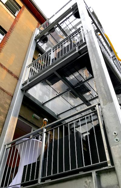 Balkon BENSIMON Apartment House Opening Party Benjamin Barg Simon Pfau