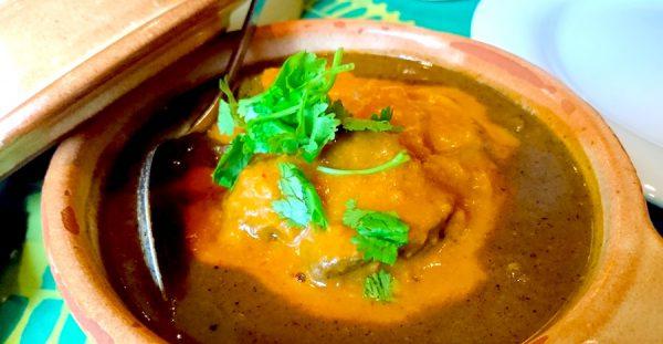 Restaurant Mount Lavinia ayurvedisch ceylonesisch Fen Shui Shane Samson Hauptgericht Fleisch